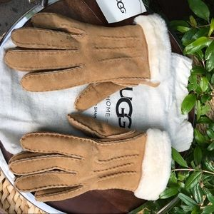 UGG🍂🍁chestnut Gloves Leather, Authentic!!